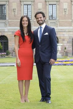 Swedish Prince Carl Philip poses with former model Sofia Hellqvist in... Foto di attualità 451316744