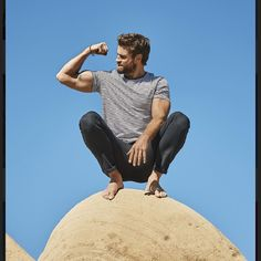 If Name's/Descriptions are wrong plz let me know — David Corenswet Mode Masculine, Hemsworth Brothers, Barefoot Men, Its A Mans World, Men Photography, Hollywood, Male Feet, Perfect Boy, Muscular Men
