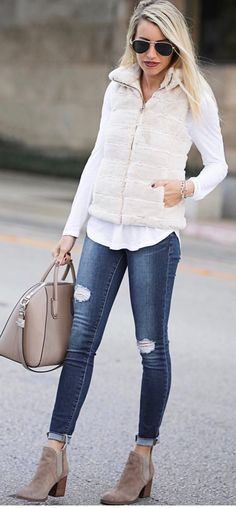 Love this outfit. 35 Inspurational Street Style Ideas You Will Definitely Want To Try – Casual Fashion Trends Collection. Love this outfit. Vest Outfits For Women, Casual Fall Outfits, Clothes For Women, Autumn Outfits, Look Fashion, Winter Fashion, Fashion Outfits, Womens Fashion, Fashion Trends