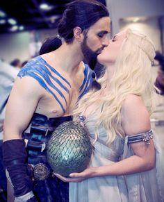 Fantasias de Khal Drogo e Khaleesi.