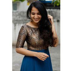 Long Dress Design, Dress Neck Designs, Fancy Blouse Designs, Designs For Dresses, Long Gown Dress, Lehnga Dress, Long Frock, Saree Gown, Lehenga Choli
