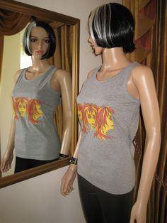 Alice Brands womens Tops og Tees fås i et udvalg af stilarter og farver, alle med vores originale designs i ungdommelig, levende farver. For Gym, træningsprogrammer, Ferie, gåture med hunden eller blot nedkøling! http://etsy.com/uk/shop/AliceBrands ... ... Se mere: http://alicebrands.co.uk/Pages/3/All+Products ... ...
