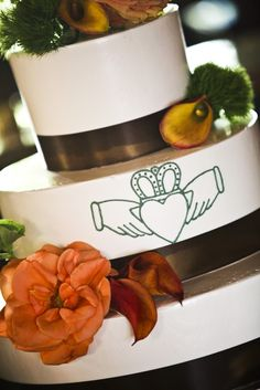 Cakes on pinterest irish wedding cakes celtic wedding and irish