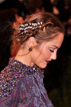 【ELLEgirl】ミンカ・ケリー|ウェディングパーティに最適☆ヘッドドレスコレクション|エル・ガール・オンライン