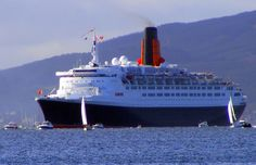 https://flic.kr/p/5rCGB6 | QE2 | Heading up the Clyde on her final visit 5/10/2008