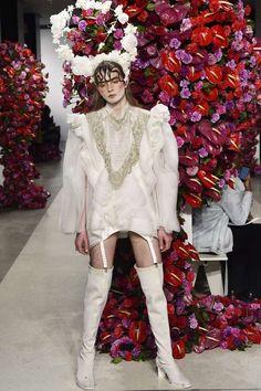 Una nueva forma de ver y vestir al género masculino se hace presente en la colección otoño invierno 2017 de la semana de la moda en Nueva York en la presentación de Palomo Spain