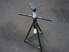 Screw Jack Stand by dhem -- Homemade screw jack stand fabricated from steel, rear, angle iron, and threaded rod. http://www.homemadetools.net/homemade-screw-jack-stand