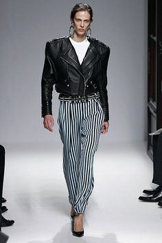BALMAIN - PARIS FASHION WEEK #Trends #Tendencias #Fashion #Moda #Stripes #Rayas #eighties #80s #biker #leather #cuero Lanvin, Balmain Paris, Moda Paris, Striped Pants, Paris Fashion, 1980s, Catwalk, Stripes, Biker Leather