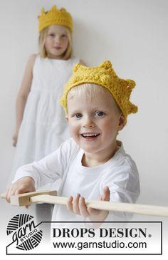 """Hæklet DROPS Krone med store juveler nederst i """"Eskimo"""" ~ DROPS Design"""