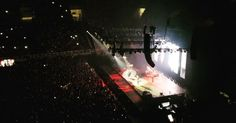 """Δείτε φωτογραφίες και βίντεο από το νοσταλγικό πάρτι που έστησε μπροστά σε 16.000 θεατές το βράδυ της Δευτέρας ο <strong><a href=""""/tag/mpraian-antams/"""" target=""""_blank"""" rel=""""noopener noreferrer"""">Μπράιαν Άνταμς</a></strong> Bryan Adams, Concert, Concerts"""