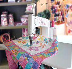 Handi Quilter Brasil - Maquinas de confecção de Quilting, bordados e costuras profissionais de colchas, tapetes, almofadas de retalhos
