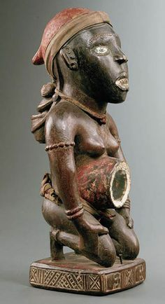 KONGO / VILI – CONGO Statuette nkisi – Bois, fer, fibres,