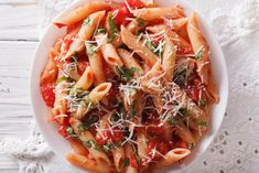 An excellent traditional Italian sauce cooked in a slow cooker and served over cooked penne pasta. Seafood Pasta Recipes, Yummy Pasta Recipes, Savoury Recipes, Healthy Recipes, All Arrabiata, Gluten Free Puff Pastry, Italian Appetizers, Clean Eating Snacks, Pasta Dishes
