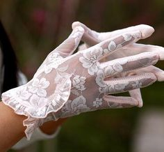 Spring and summer women's Lace sunscreen gloves lady's anti-uv slip-resistant driving gloves girls sexy lace gloves Cotton Gloves, Lace Gloves, Gloves Fashion, Fashion Accessories, Estilo Real, Wedding Gloves, Driving Gloves, French Lace, Lace Design