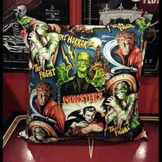 Image of Fright Throw pillow