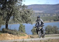 Un #BestSeller, il #GS ha sempre grande fascino! ma come mai secondo voi? lo comprereste? ecco come va! http://moto.infomotori.com/articolo/test-ride/23930/bmw-r-1200-gs-adventure-test-ride/