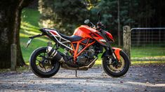 The KTM 1290 Super Duke R's trellis frame looks great but contributes to a bit of flex in bumpy corners Background Images Hd, Picsart Background, R15 Yamaha, Duke Bike, Ktm Motorcycles, A Funny Thing Happened, Beautiful Moon, Sport Bikes, Looks Great