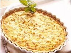 3 cheese pie (easy, fast) – A CuisineAZ recipe - Quiches, Ground Beef Stews, Brazilian Dishes, Cake Recipes, Dessert Recipes, Cheese Pies, Salty Foods, Quiche Lorraine, Easy Cooking