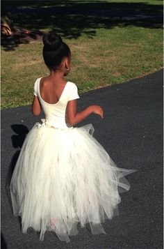 This is the look I am going for with Chloe for the wedding (cream/white body suit with a grey or purple tutu)-A #DIY No-sew Tutu Tutorial is on the blog thanks to LoveBuggs Weddings!