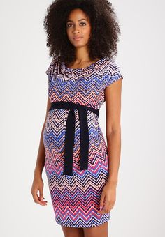 d2f4bbd28c4f 55 bästa bilderna på Clothes i like to wear | Clothing, Cute dresses ...
