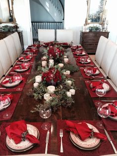 Christmas Dining Table Decor In Red And White Christmas Dining Table, Christmas Table Centerpieces, Christmas Table Settings, Christmas Tablescapes, Christmas Kitchen, Rustic Christmas, Christmas Decorations, Christmas Ideas, Merry Christmas