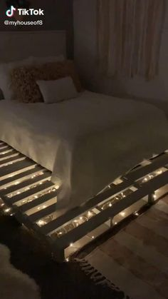 dream rooms for adults ; dream rooms for women ; dream rooms for couples ; dream rooms for adults bedrooms ; dream rooms for girls teenagers Cute Bedroom Ideas, Cute Room Decor, Room Ideas Bedroom, Small Room Bedroom, Bedroom Designs, Diy Bedroom Decor, Wood Pallet Beds, Diy Pallet Bed, Pallet Furniture