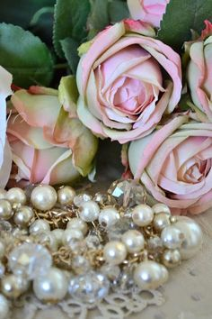 Jennelise: Roses and Pearls <> (pretty bits 'n bobs, flowers, jewelry)