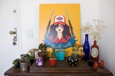 Jeitos de usar uma mesa de máquina de costura antiga na decor  http://www.donaflorida.com.br/decoracao/maquina-de-costura-na-decor/