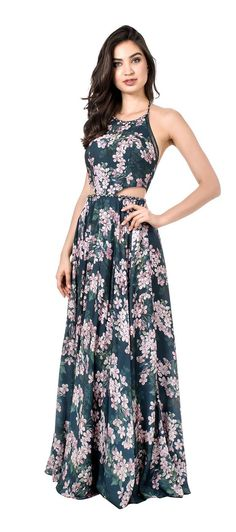 Pinned onto 2018 winter outfits Board in 2018 winter outfits Category Luau Outfits, Maxi Outfits, Casual Dresses, Fashion Dresses, Prom Dresses, Formal Dresses, Pretty Outfits, Pretty Dresses, Crepe Dress