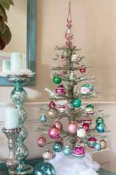 Christmas Trees For Small Homes Tinsel Tree with vintage ornaments.Tinsel Tree with vintage ornaments. Bohemian Christmas, Beautiful Christmas Trees, Noel Christmas, Vintage Christmas Ornaments, White Christmas, Christmas 2019, Christmas Island, Vintage Pink Christmas, Retro Christmas Tree
