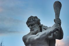 https://flic.kr/p/DsE7fR | Hercules (Karlsruhe) | Statue Hercules stands in front of the Castle Karlsruhe