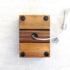 Soporte de iphone de madera rústica soporte de por SkylineStands