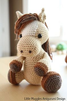 Make this cute horsey amigurumi by Little Muggles with Vanna's Choice - get the crochet pattern (paid) on Ravelry.