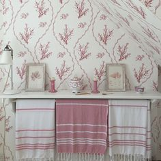 Pink seaweed wallpaper by Min Hogg in a Dorset bathroom.