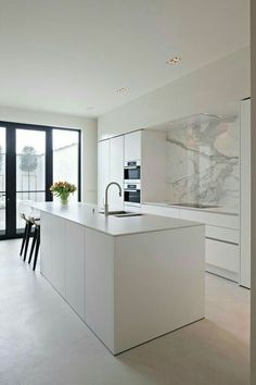 The kitchen that is top-notch white kitchen , modern kitchen , kitchen design ideas! Home Decor Kitchen, Kitchen Living, Kitchen Furniture, New Kitchen, Home Kitchens, Kitchen Ideas, Kitchen Inspiration, Modern Kitchens, Kitchen Hacks