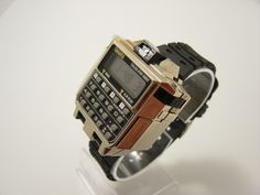 Whether it be performance or appearance, Casio Watches have it all. Once you discover just what you desire, some online detective work over the internet can help you get the best offers. Retro Watches, Vintage Watches, Cool Watches, Watches For Men, Wrist Watches, Smartwatch, Pub Vintage, Patek Philippe, Retro Futurism