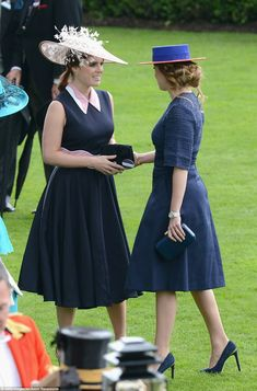 Beatrice and Eugenie step out in matching shades at Royal Ascot | Daily Mail Online