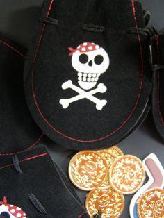 Set Of 8 Buccaneer Pirate Treasure Decor Goodie by MesBellesSoeurs