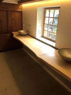 Holzwaschtisch Mit Waschschalen Im Landhausstil. #holz #holzmöbel # Badezimmer #designermöbel