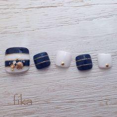 ネイル 画像 ネイルサロン fika 鶴川 940040 青 マリン 海 ソフトジェル フット Pedicure Nail Art, Toe Nail Art, Nail Manicure, Cute Toe Nails, Pretty Nails, Nail Pops, Japanese Nail Art, Feet Nails, Toe Nail Designs