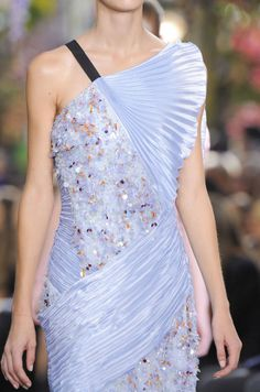 Getting up close with Christian Dior Spring 2014 #pfw #ss14 www.bibleforfashion.com #bibleforfashion