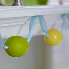 Make an easy Easter egg garland