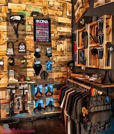 The Path Bicycle and Ride Shop recycled palate, wood and metal display wall Gift Shop Displays, Clothing Store Displays, Indoor Bike Rack, Bicycle Store, Showroom Interior Design, Retail Store Design, Home Room Design, Surf Shop