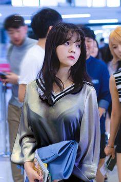 Jimin (and a bit of Choa) Jimin Aoa, Shin Jimin, South Korean Girls, Korean Girl Groups, Beautiful Asian Women, Beautiful People, Asian Fashion, Girl Fashion, Rapper