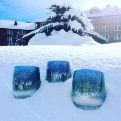 ⠀⠀⠀ ⠀⠀⠀⠀ ⠀ our sparkling, icy-blue 'mother earth' glassybaby looks right at home in the winter wonderland of sun valley as mother nature blankets many parts of the nation under a thick layer of snow. ⠀⠀⠀ ⠀⠀⠀⠀ ⠀ stay warm: light some glassybaby! ⠀⠀⠀ ⠀⠀⠀⠀ ⠀ #glassybaby #glassybabyroadshow #winterwonderland #sunvalley #snowy #motherearth #mothernature #weather #snowfall #blanketofsnow @sunvalley #ketchum #ketchumidaho #sparkling