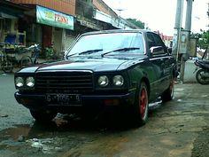 Old car classic toyota corona 1977 rt104 indonesia