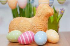 Veľkonočný baranček s vaječným likérom Eggs, Breakfast, Ethnic Recipes, Food, Butter, Last Minute, Teller, Frugal, Happy Easter