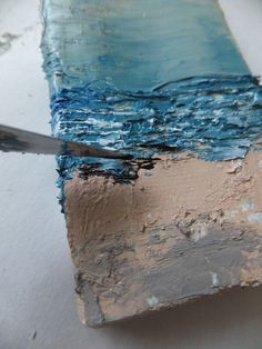 This website has awesome art ideas. I could read it all day. DIY ocean painting…