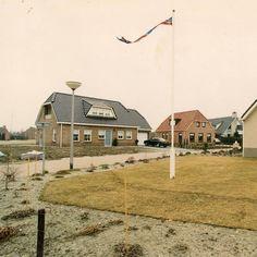 Een foto uit vroegere tijden... De #Beukenhof te #Uithuizermeeden.  Deze foto is afkomstig van de website www.beeldbankgroningen.nl / #beeldbankgroningen    / #dasjagoud #daspasGrunnen #Groningen #hetHogeland #HogelandFotos  #MeisterJournaal   / #UHZMvrouger  | #meisterjournaal / www.MeisterJournaal.nl