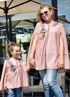 Hanae caftán Dubai Fashion, Abaya Fashion, Skirt Fashion, Couture Fashion, Mode Abaya, Mode Hijab, Caftan Gallery, Wedding Dresses For Kids, Arabic Dress